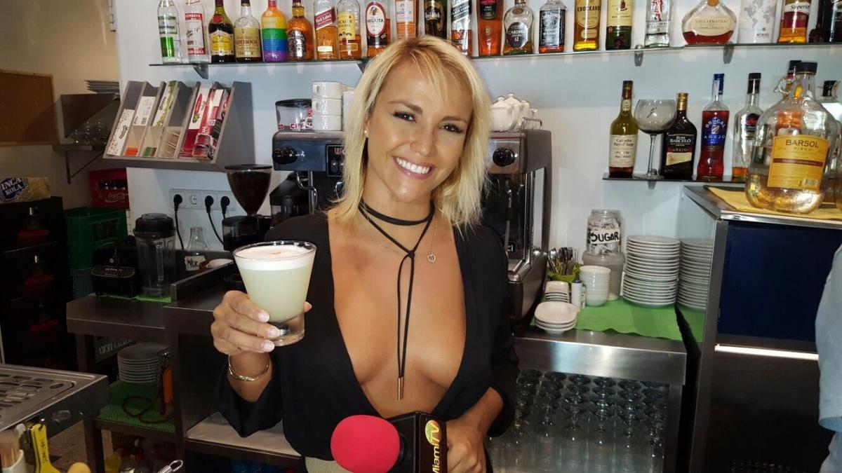 Jenny Scordamaglia y sus blusas escotadas que se convirtió en marca